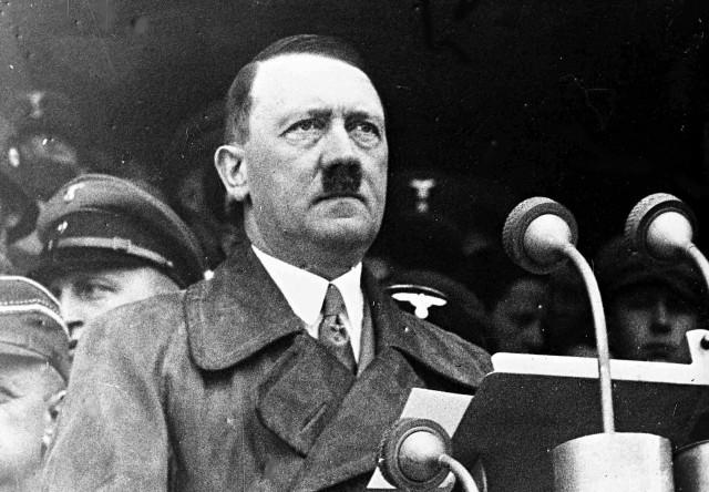 ヒトラー (ちょびひげ顔)