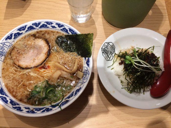 亀王ラーメン昔味と、ハーフじゃんじゃん丼